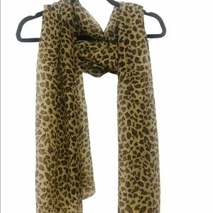 ODIVA Brown Leopard Polyester Scarf Wrap NWT
